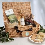 Hamper with Cheese - Christmas